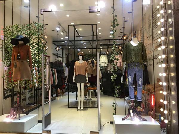 http://malanaz.com/wp-content/uploads/2018/04/thoi-trang-malanaz-shopping.png