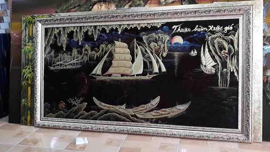 Tranh sơn mài Thuận buồn xuôi gió - kkhung màu đen