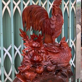 Đồ gỗ đục tay - Tác Phẩm gia đình gà Cao 70 rộng 48 sâu 40cmC