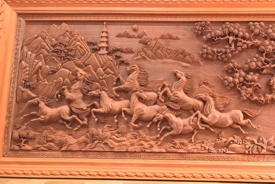 Người ta treo tranh này với ý nghĩa phong thuỷ: Cầu cho mọi việc thành công, thuận lợi và đại thắng. Tại sao chú ngựa thứ 4 trong ...