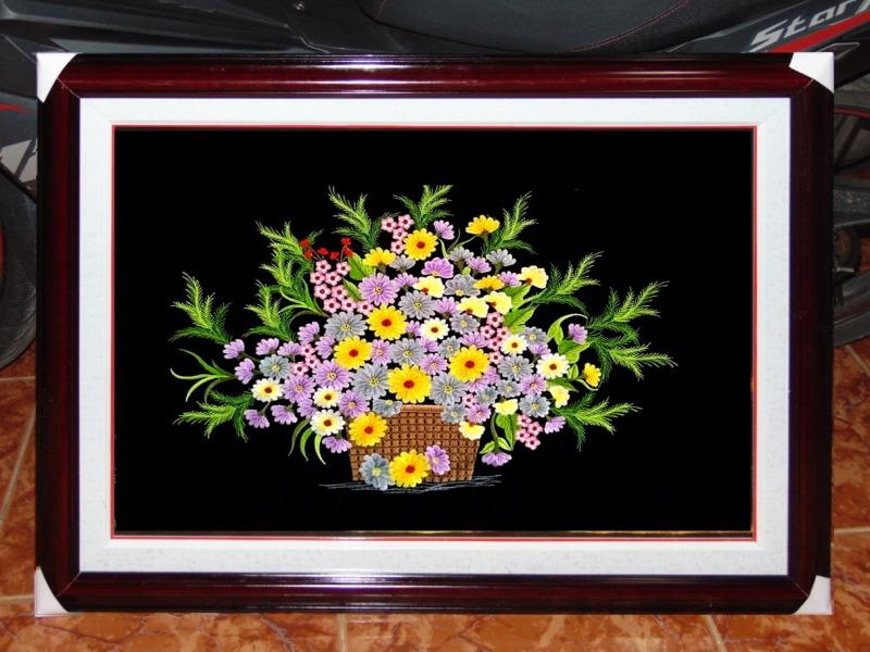 Tranh thêu tay xứ Huế - Hoa Cúc TLH01
